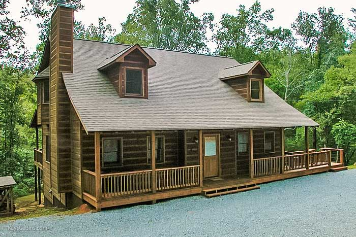 Cabin Front - Close up - Turtle Creek Lodge